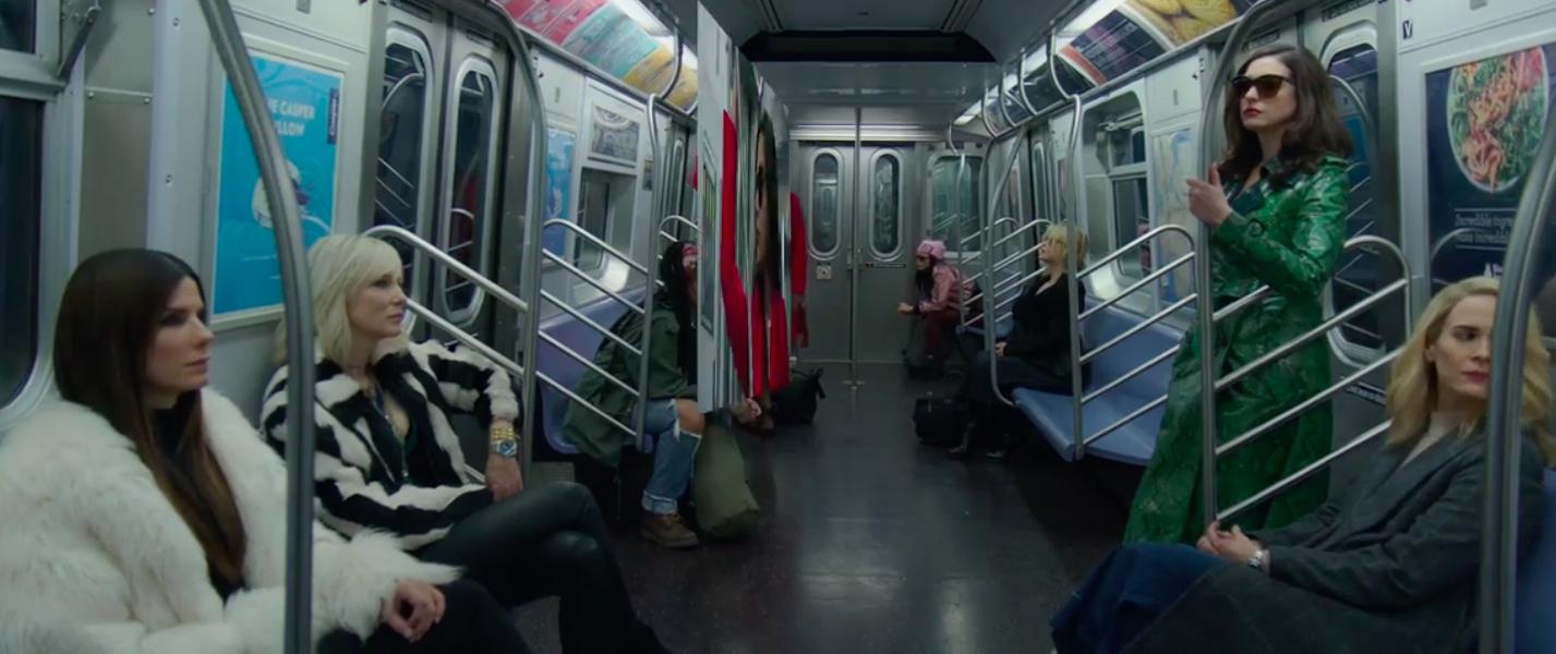 кадр из фильма 8 подруг оушена